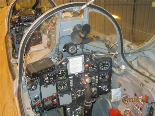 67_MiG21U_N315RF_i.jpg